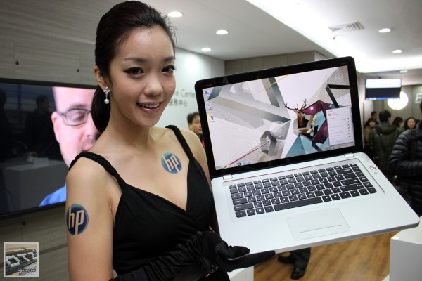 HP發表 Wi-Fi無線雷射觸控滑鼠 HP X7000 Wi-Fi Touch Mouse,以及HP ENVY14 Spectre、HP ENVY15