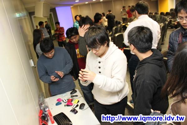 2011年「老貓藍光宅聚」小記,搶先玩微軟Arc鍵盤、Express、舒適滑鼠6000