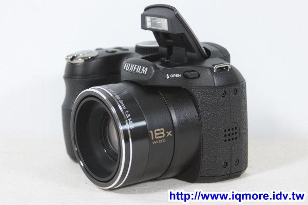 富士 (Fujifilm)  FinePix S1800 18倍光學變焦數位相機 開箱小試