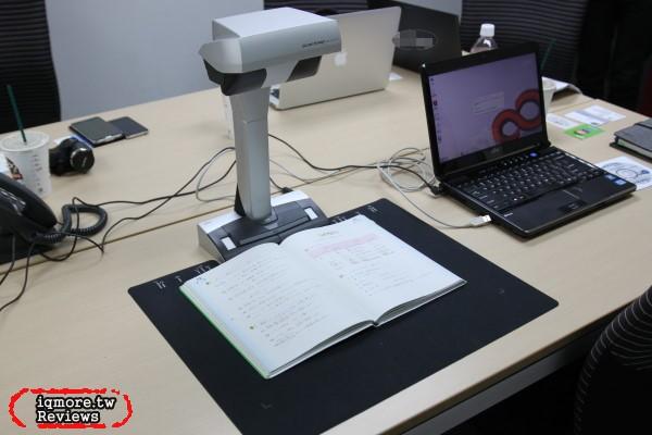 富士通 Fujitsu ScanSnap SV600 評測,置頂結構自動掃描