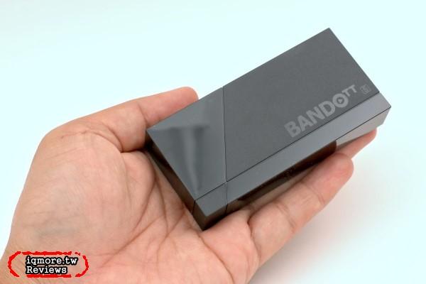 鴻海 便當 s BANDOTT s 4K電視盒 評測,挑戰宇宙最小電視盒