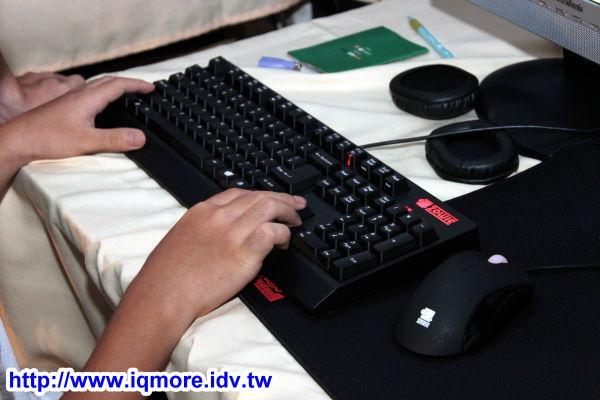 2010台灣萊e盃展出 ZOWIE Celeritas 機械電競鍵盤