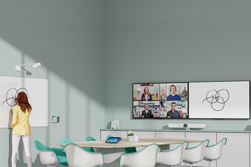 羅技推出 Logitech Scribe AI 人工智慧白板攝影鏡頭,讓手寫白板也能線上會議