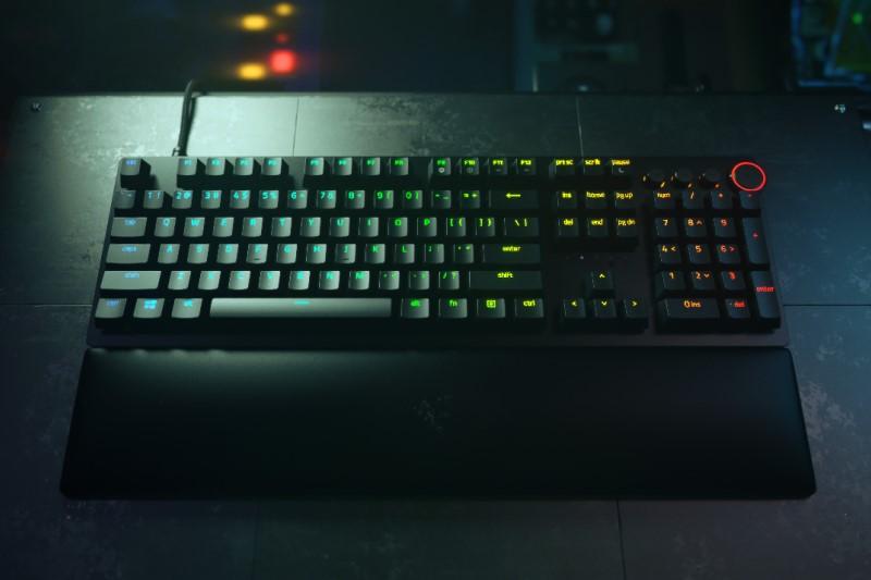 雷蛇 Razer Huntsman V2 光軸鍵盤上市,搭配 PBT 二色鍵帽 與 8K 回報率