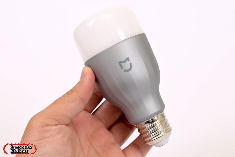 米家 LED 智慧燈泡 彩光版 評測,手機搖控RGB LED燈泡